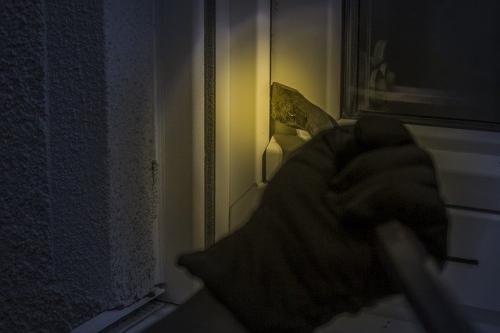 Einbrecher Einbruch Symbolbild 2